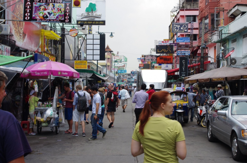 Geschäftige erste Eindrücke in Bangkoks berühmter Khaosan Road