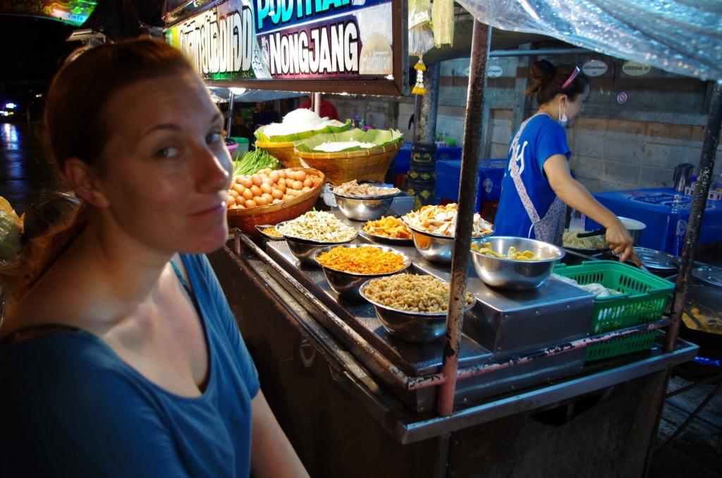 Phat Thai auf Chumphons Nachtmarkt