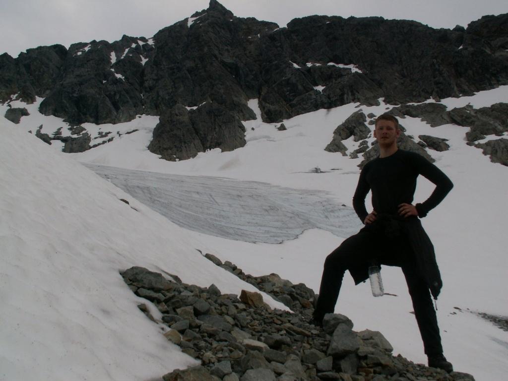 Maik an den Resten eines einst stolzen Gletschers