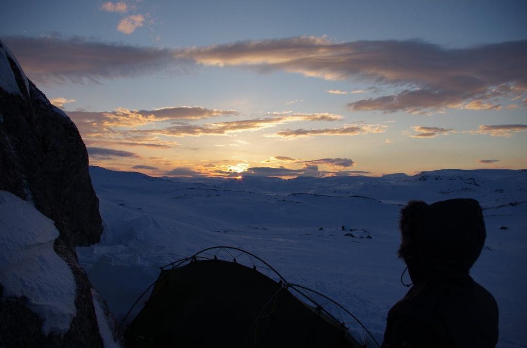 Sonnenuntergang über der eisbedeckten Hardangervidda