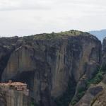 Kloster Rousanoú überragt die Schlucht