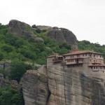 Blick zurück zum Kloster Rousanoú