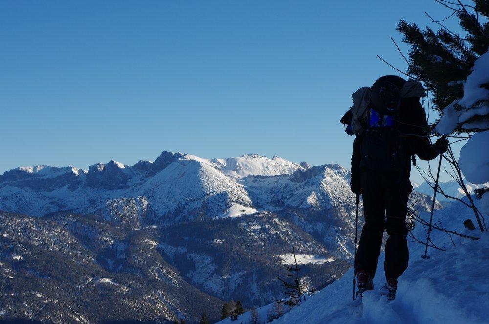 Skitourengeher am Steilhang