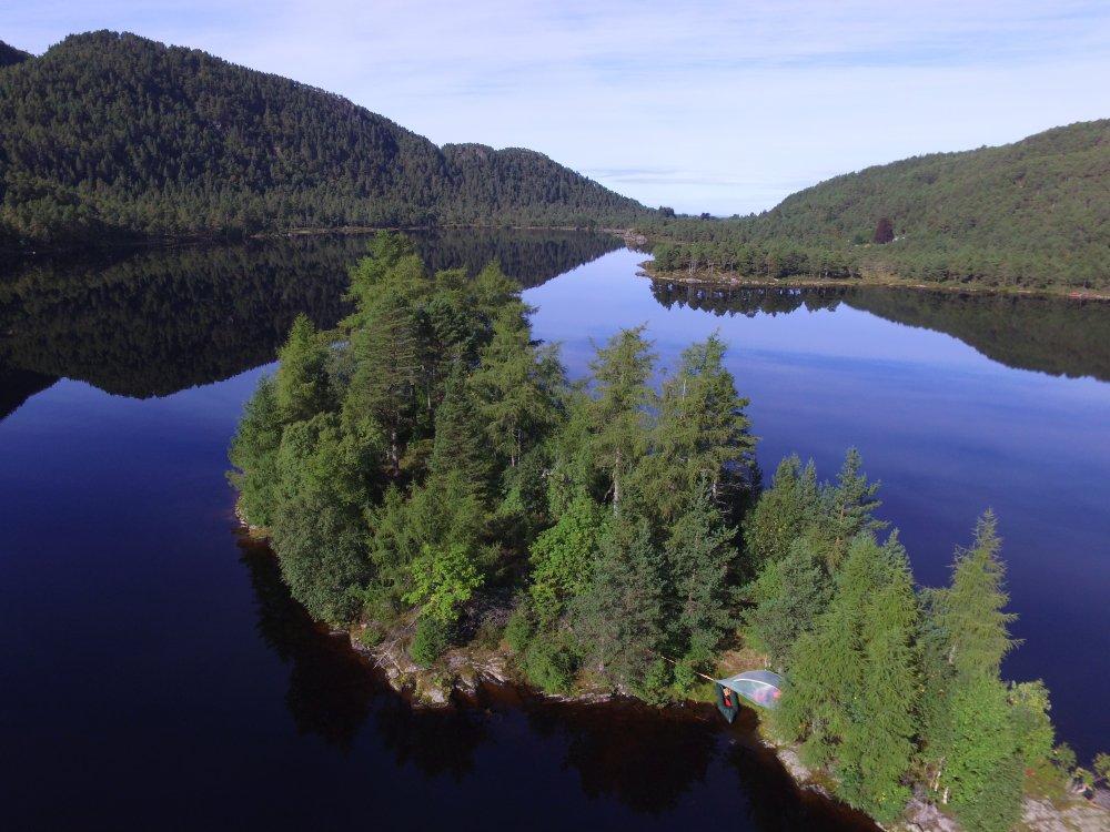 Luftaufnahme des See Bolgvatnet in Norwegen