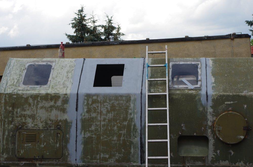 Vorbereitung zum Fenstereinbau am LAK II