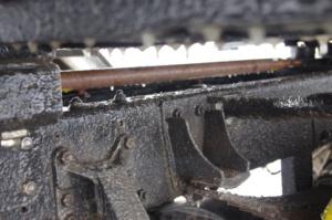 Eispanzer über dem Lkw-Rahmen des IFA L60 4x4