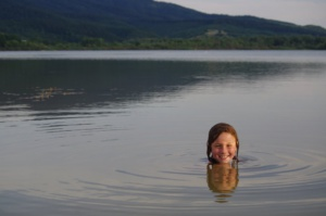 Arttu im Lacul Surduc